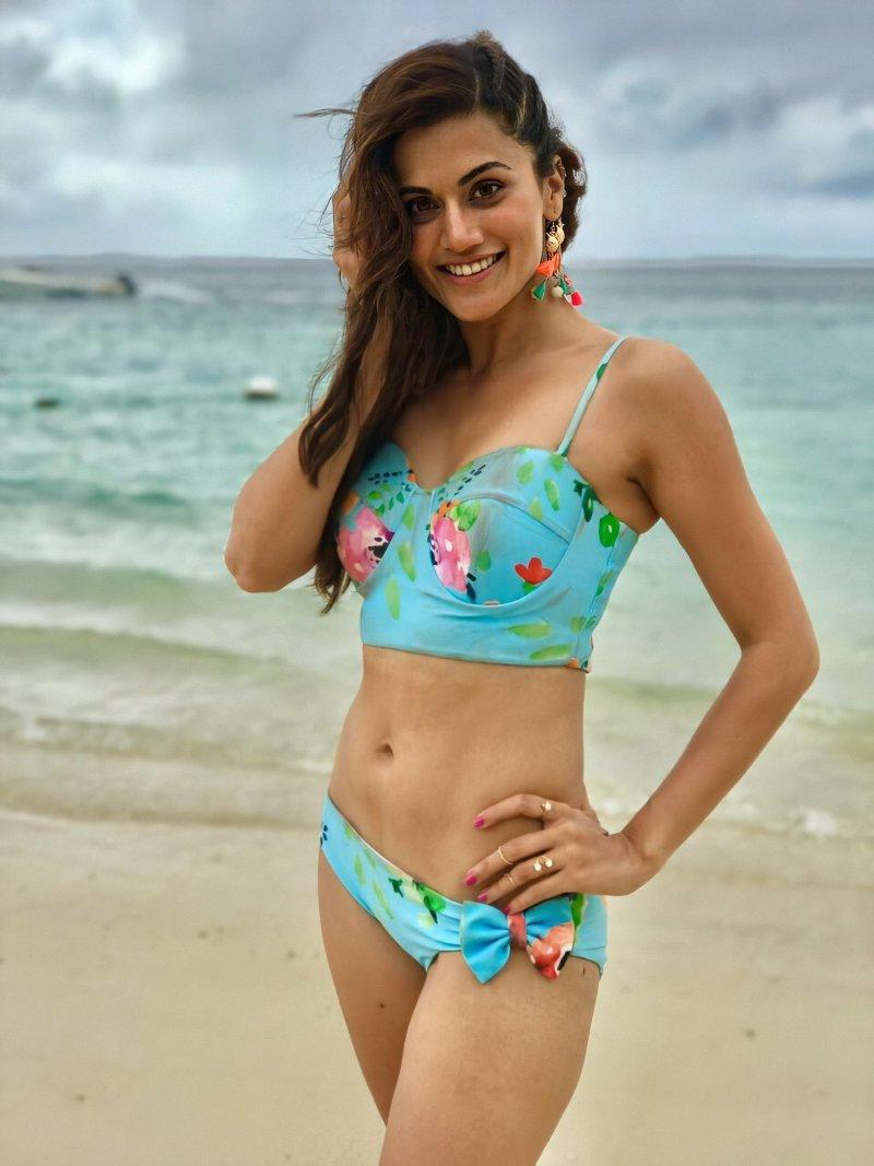 gorgeous-taapsee-pannu-bikini-photos-showing-her-toned-figure