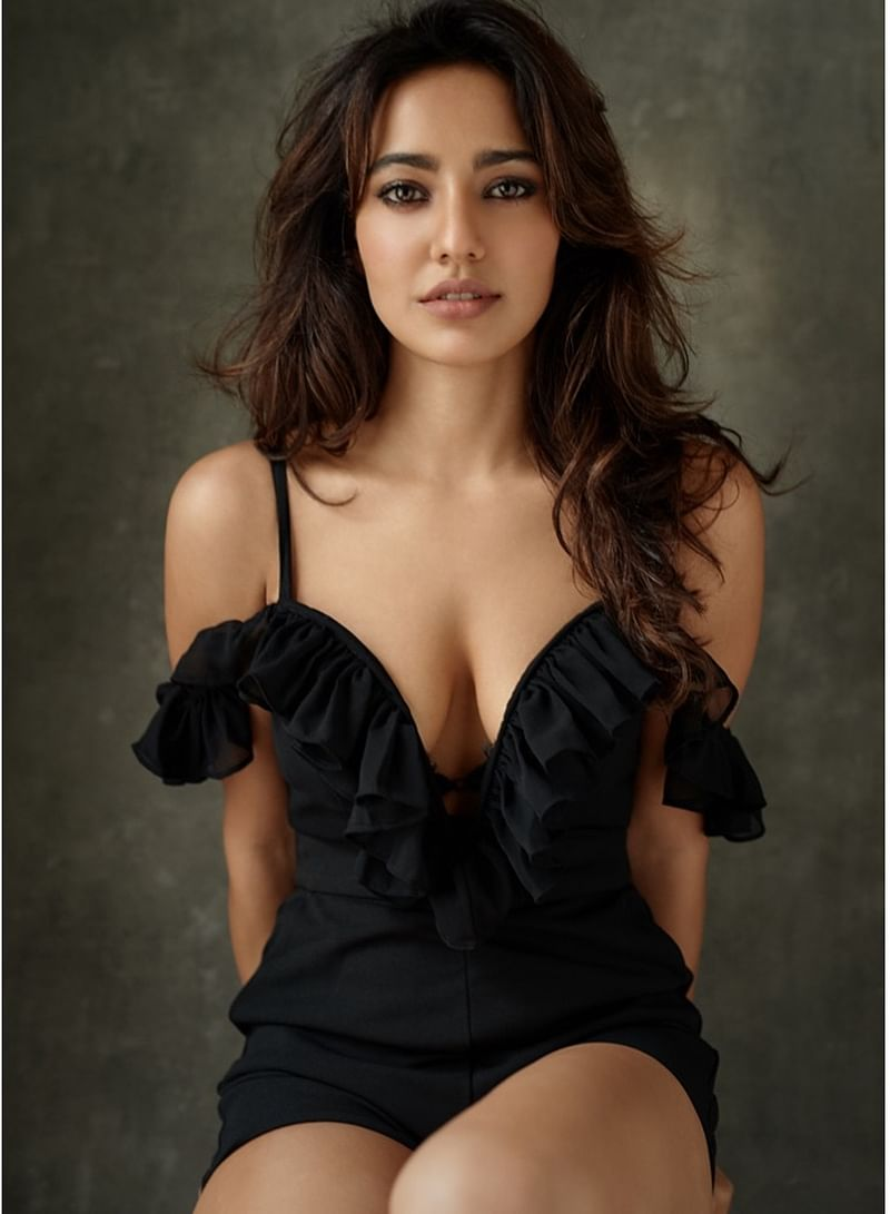 neha-sharma-hot-photoshoot-revealing-her-cleavage-in-seductive-outfit
