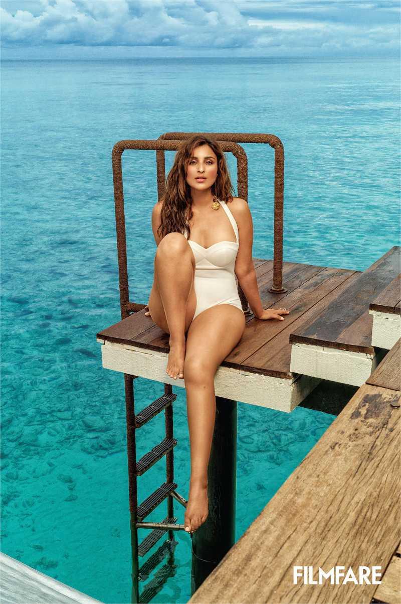 parineeti-chopra-bikini-photos-near-beach