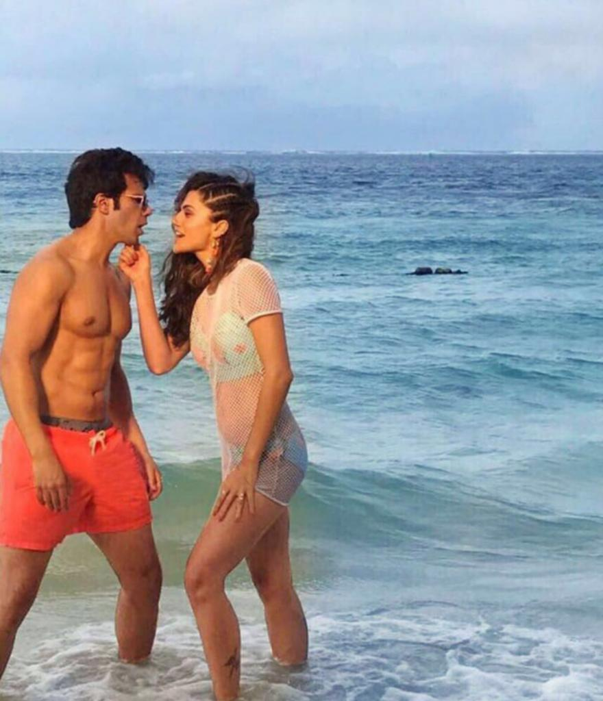 taapsee-pannu-bikini-photos-on-beach-from-movie