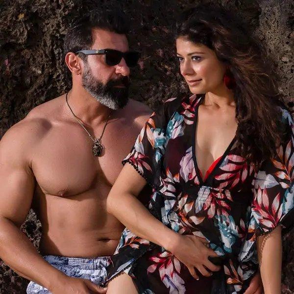 the-hot-couple-nawab-shah-and-pooja-batra-in-bikini
