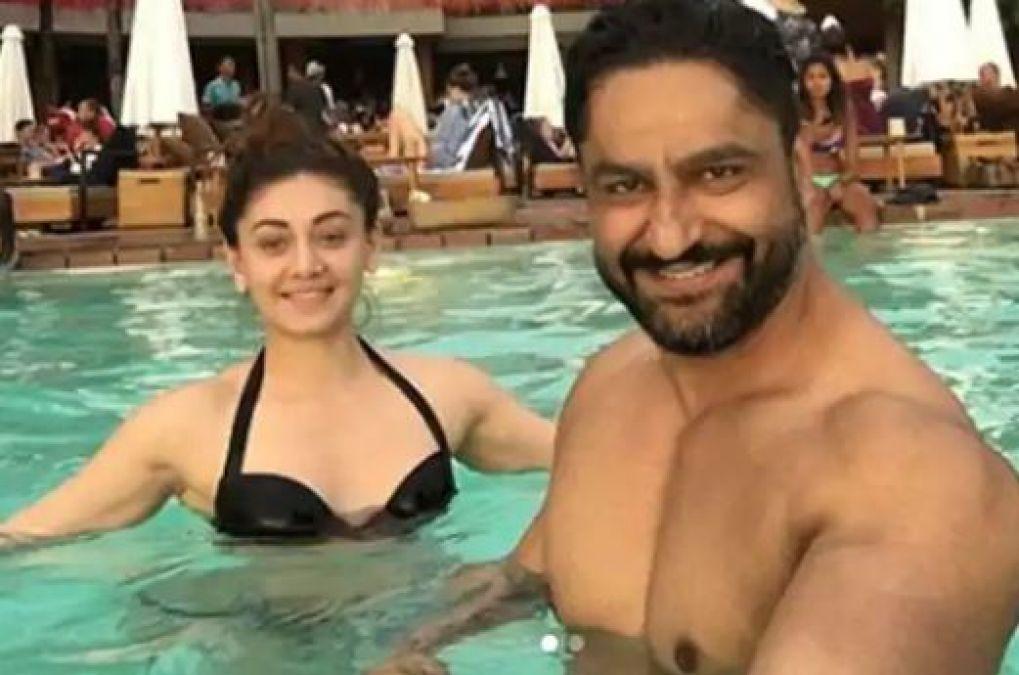 actress-shefali-jariwala-bikini-photos-in-pool-with-hubby