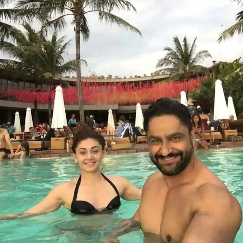 hot-shefali-jariwala-in-bikini-raising-the-temperature-of-pool-water