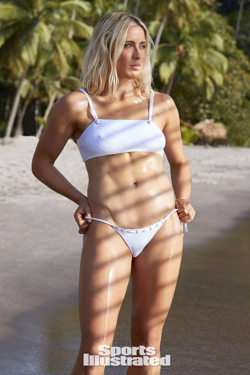 usa-abby-dahlkemper-exposing-her-hot-body-in-sports-illustrated-swimsuit