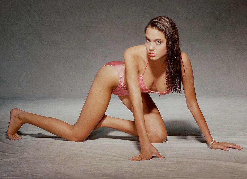 angelina-jolie-ass-sexy-tits-in-bikini