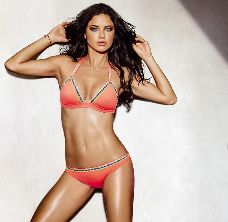 Adriana-Lima-in-bikini-tights-flaunting-her-zero-size-figure