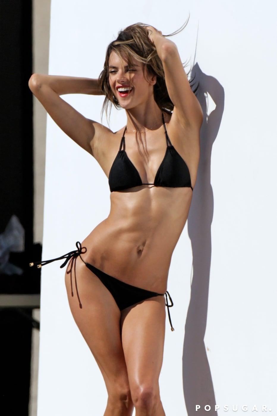 United-States-of-America-Alessandra-Ambrosio-Black-Bikini-Pictures