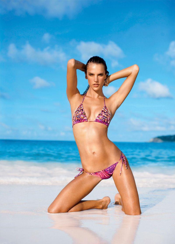 Alessandra-Ambrosio-Victorias-Secret-Bikini-Photoshoot