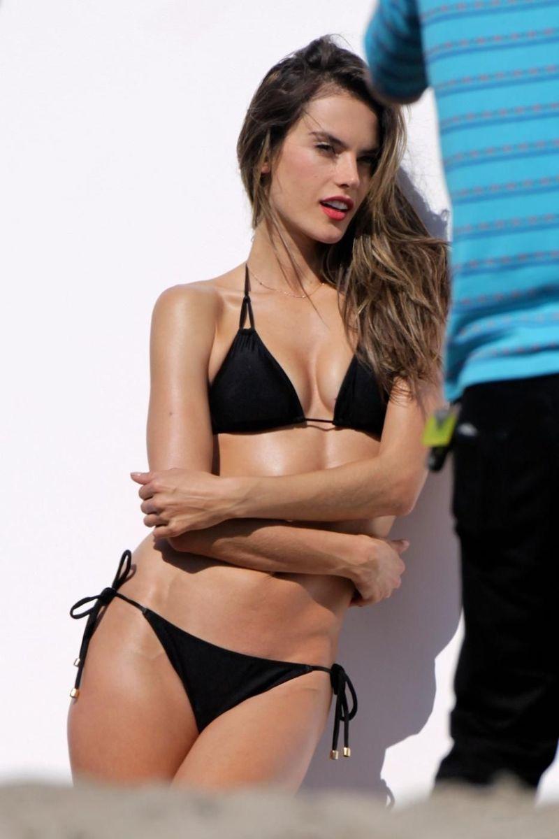 American-actress-Alessandra-ambrosio-bikini-photoshoot-flaunting-her-sexy-figure