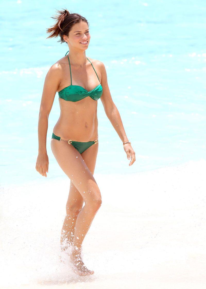May-Adriana-Lima-wore-green-bikini-dip-St-Barts