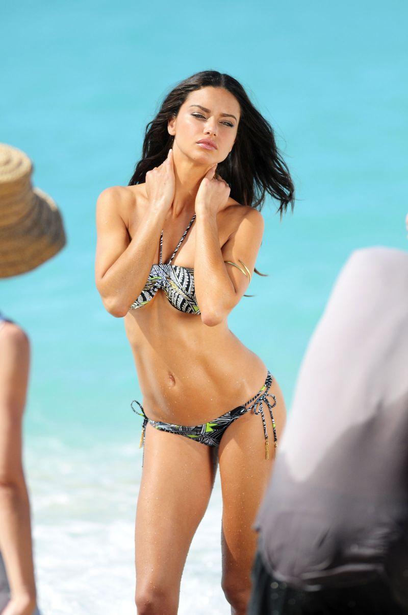 american-model-Adriana-Lima-in-Bikini-During-a-Photoshoot-at-USA