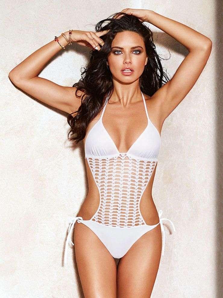 hot-model-Adriana-lima-in-bikini-swimsuit-flaunt-her-hot-curves-at-united-states