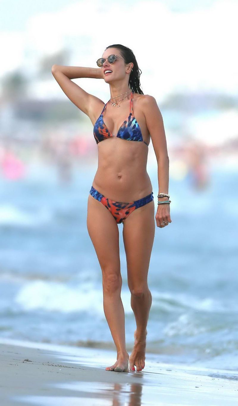 united-states-model-alessandra-ambrosio-in-a-colourful-print-bikini-on-the-beach