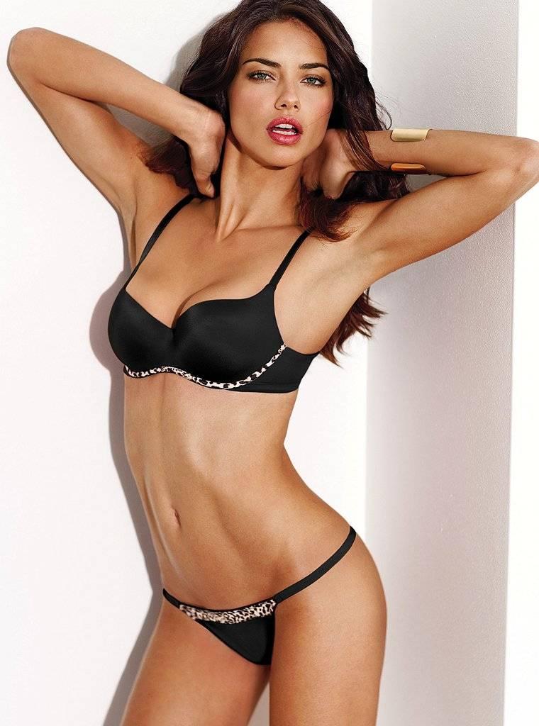 usa-vs-angel-adriana-lima-in-string-bikini